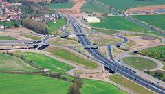 Dobeš: Výstavbu silnice R35 podpoří evropské fondy