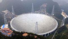 Čína uvedla před rokem do provozu největší teleskop na světě