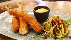 VIDEORECEPT: Připravte si smažené tygří krevety podle šéfkuchaře