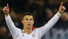 Real i díky dvěma Ronaldovým penaltám vyhrál 4:1 šlágr ve Valencii