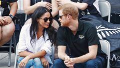 Princ Harry se na veřejnosti poprvé oficiálně představil s přítelkyní Meghan Markleovou