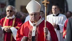 'Žalovat ve Vatikánu je trapné.' Politici se zastali kardinála Duky kvůli dopisu části katolíků