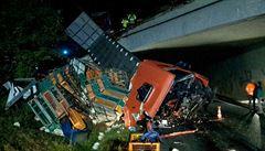 Nehoda dvou nákladních aut uzavřela D52 na Brněnsku