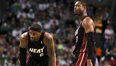 Wade dlouho volným hráčem nezůstal. Hvězdný rozehrávač míří za kamarádem Jamesem