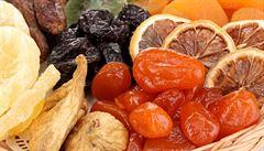 Roztoči a oxid siřičitý. Na co si dát pozor při koupi sušeného ovoce?