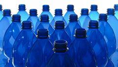 Vratné PET lahve? Válka s plasty přitvrzuje