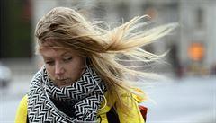 V jedenácti krajích čekejte silný vítr, na Sněžce už zastavil oba úseky kabinové lanovky