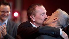 'Konečně.' Homosexuální páry mohou od neděle v Německu uzavírat manželství