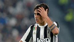 Tři fotbalisté Juventusu vypadli ze sestavy pro derby. Navzdory celostátnímu zákazu si udělali večírek