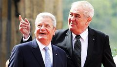 Gauck podle Zemana řekl, že snaha vrátit Krym by vedla k evropské válce. Citát ale nelze dohledat