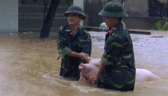Záplavy ve Vietnamu si vyžádaly nejméně 46 mrtvých, 33 lidí se pohřešuje