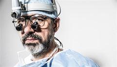 Plíce jsou krásné, tvrdí špičkový hrudní chirurg Lischke. Říkají mu 'nový Pafko'