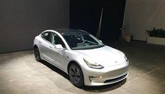 První 'ojetá' Tesla Model 3 je na prodej. Za trojnásobek ceny nového vozu