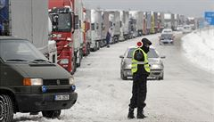 Jak připravit auto na zimu? Výbavu kupte hned, aby později nezdražila