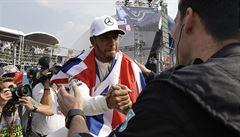 Hamilton je počtvrté mistrem světa formule 1 a stal se nejúspěšnějším Britem historie