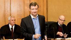 Soud se vrátil ke korupční kauze někdejšího hejtmana Ratha