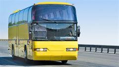 Řidič autobusu prodloužil výlet o 24 hodin a 1200 kilometrů. Spletl se