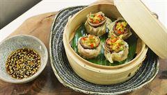 VIDEORECEPT: Připravte knedlíčky shu mai s houbami shitake podle šéfkuchaře
