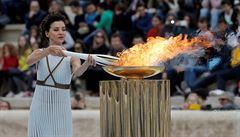 Zapálení olympijské pochodně bude kvůli koronaviru bez diváků, Řekové požádali o přeložení ceremoniálu