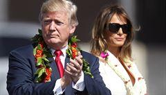 Trumpův běžný den: tweety v pyžamu, 12 plechovek coly a dlouhé hodiny u televize