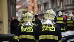 Hasiči na Štědrý den vyjížděli k 53 požárům. Jeden člověk zemřel, 18 se zranilo