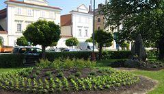 Záhon je živým pomníkem partnerství s městem Puteaux