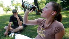 Mladistvým prodalo alkohol v den vysvědčení 60 procent obchodů. Nejvíce pochybili na Olomoucku