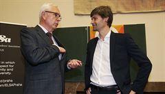 SENÁTNÍ SOUBOJ: Druhý pokus uchazečů o Hrad. Drahoš, Hilšer, Fischer a Hannig se utkají znovu