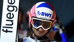Poslanec Janda při rozlučce se skoky na lyžích neuspěl a neprobil se kvalifikací