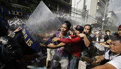 Policie zasahovala v Manile při protestu proti Trumpovi
