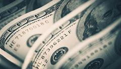 Satanista neuspěl. Nápis Věříme v Boha na dolarech podle soudu není vyznáním víry