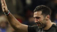 Buffon se loučil se slzami v očích. 'Nepostoupit na MS je smutné, velmi smutné'