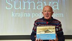 Kniha o Šumavě připomíná zaváté samoty i první lyžaře