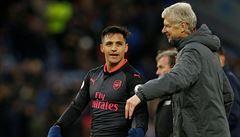 Manchester United získal hvězdu Arsenalu Sáncheze. Místo něj jde do Londýna Mchitarjan