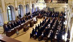 Sněmovna se opět vrátila k práci. Poslanci vzali na vědomí volební komisi