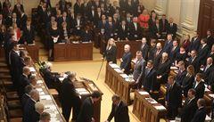 Vepřová plec pro poslance za 50 korun. Jídla ve sněmovně po únorovém zdražení mírně zlevní