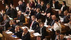 Spalničky ve Sněmovně. Výskyt nemoci zavřel poslaneckou restauraci