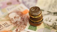 Stát chce miliardy od pojišťoven. 'Vypadá to jako fiskální zoufalství,' míní bývalý viceguvernér ČNB