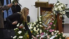 Tenisový svět se loučil s Janou Novotnou. Květiny jí k rakvi přinesla i Kvitová