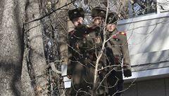 KLDR vyměnila desítky vojáků v demilitarizované zóně. Nezabránili zběhovi v útěku