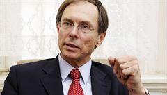 Švejnar zpět v boji o Hrad? Senátoři pro něj shánějí podpisy