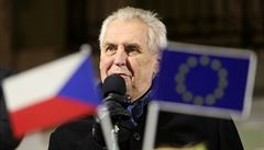 Zeman: Velvyslanectví by do Jeruzaléma měly přesunout i EU a Česko