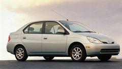 Prodeje hybridních vozů rostou. Trend odstartovala Toyota Prius před 20 lety