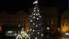 Vánoční strom na Staroměstském náměstí se rozsvítil