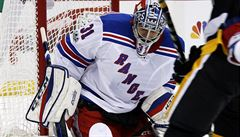 NHL: Pavelec opět zazářil, po roce a tři čtvrtě si připsal si nulu