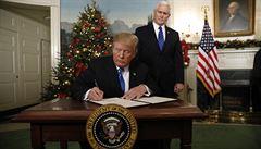 Trump uznal Jeruzalém za hlavní město Izraele. Porušil mezinárodní právo, řekl Macron