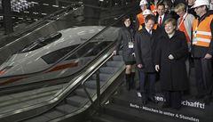 Berlín s Mnichovem spojuje nový železniční koridor, svezla se i Merkelová