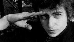 Dylan na předávání Nobelovy ceny nedorazí. Jeho skladbu zazpívá Patti Smith