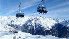 Česká lyžařka se v Rakousku zranila při seskoku z lanovky, sedačka měla sklopené opěradlo