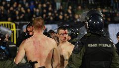 VIDEO: Fotbalisté Plzně, těšte se! Při bělehradském derby bylo zadrženo 26 chuligánů